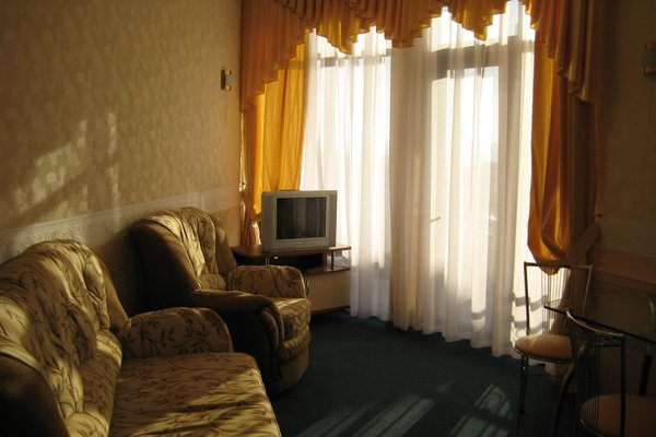 Гостиница Holiday - фото 8