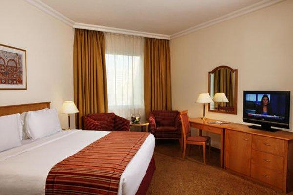 Swiss Belhotel Sharjah (ех. Sharjah Rotana) - фото 36