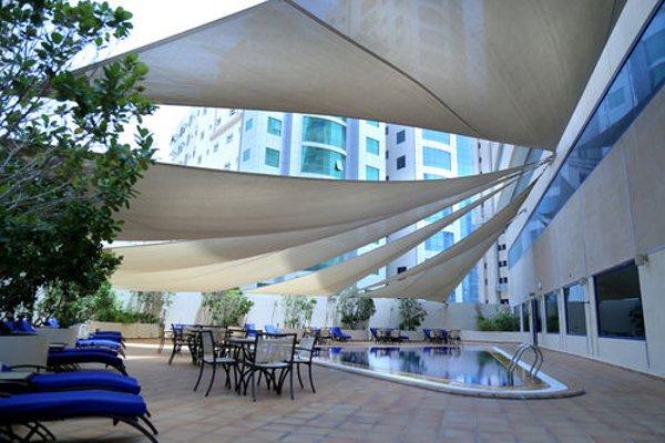 Swiss Belhotel Sharjah (ех. Sharjah Rotana) - фото 14