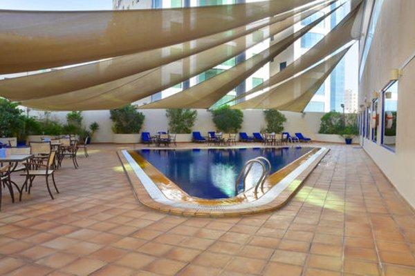 Swiss Belhotel Sharjah (ех. Sharjah Rotana) - фото 19