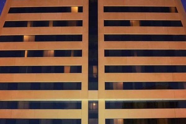 Swiss Belhotel Sharjah (ех. Sharjah Rotana) - фото 22