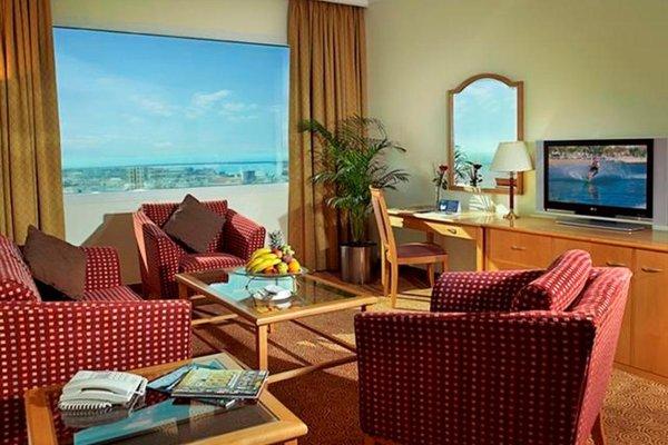 Swiss Belhotel Sharjah (ех. Sharjah Rotana) - фото 4