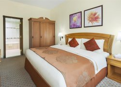 Golden Tulip Hotel Apartments фото 2