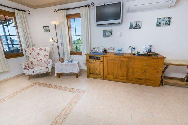 Hadrian Hotel - 4