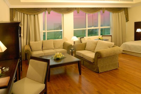 Sharjah Premiere Hotel & Resort - фото 4