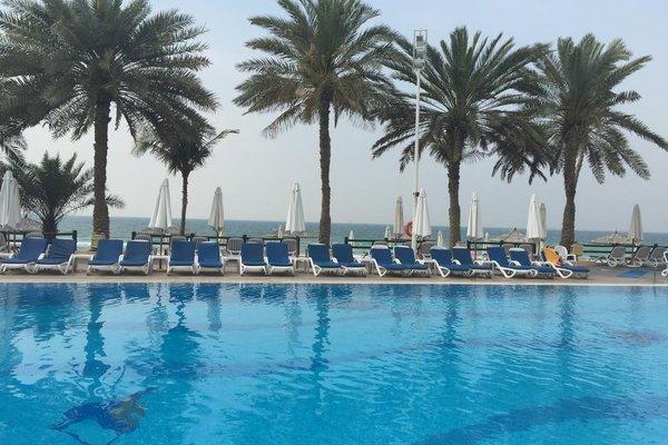 Курортный отель Grand Hotel Sharjah - фото 20