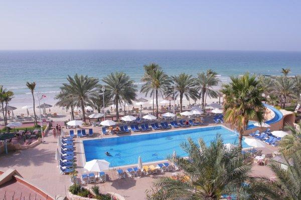Курортный отель Grand Hotel Sharjah - фото 23