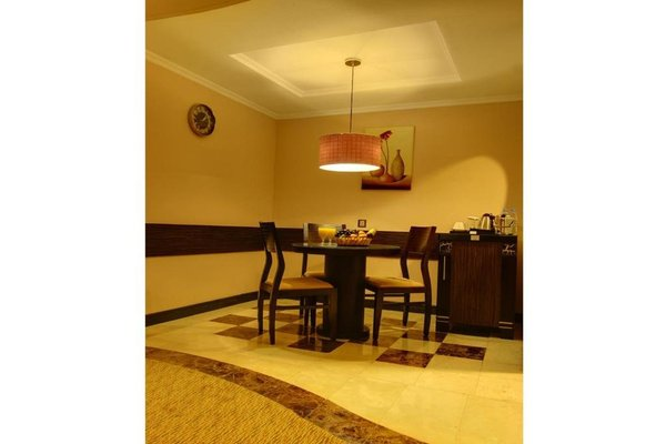Sharjah Palace Hotel - фото 9