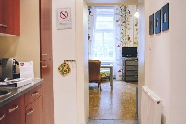 JL Apartments - 20