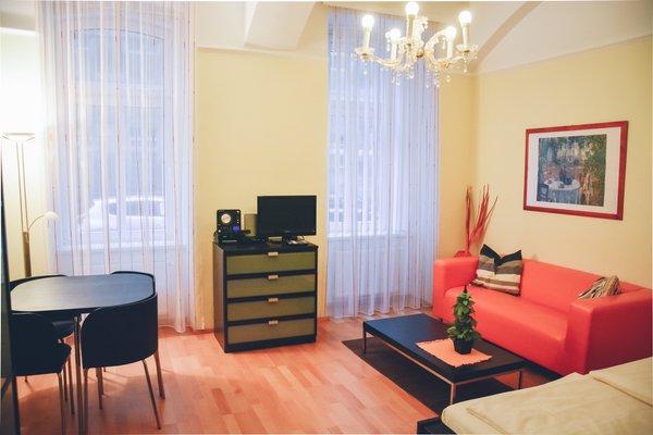 JL Apartments - 8