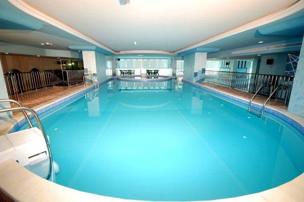 Al Bustan Tower Hotel Suites - фото 21