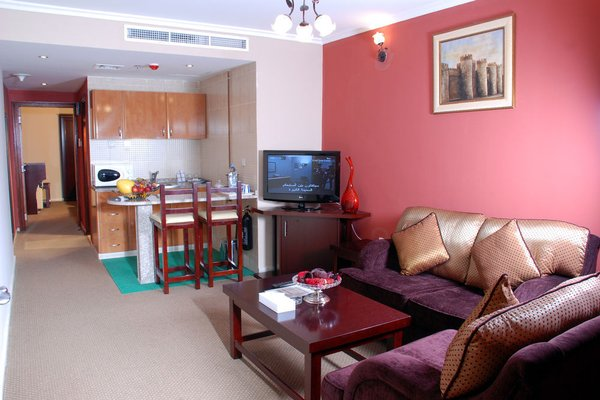 Al Bustan Tower Hotel Suites - фото 5