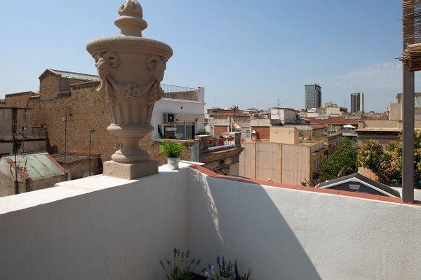 Near Paseo de Gracia Apartments - фото 19