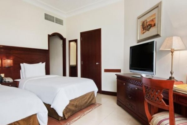Hilton Fujairah Resort - 6