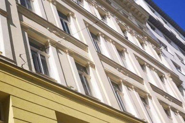 Constantin Apartments - фото 50