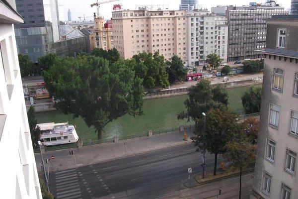 Constantin Apartments - фото 21