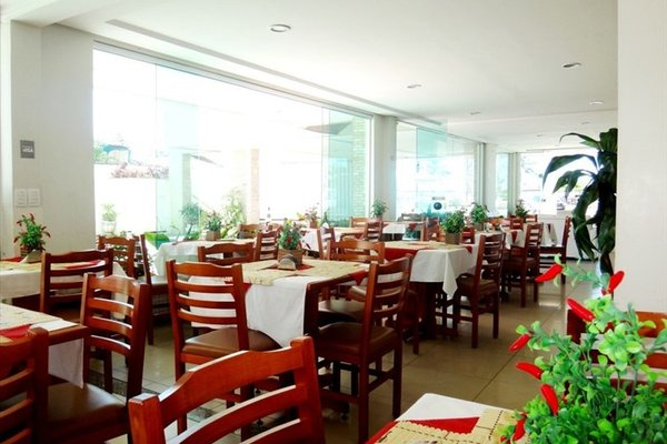 Simas Praia Hotel - 8