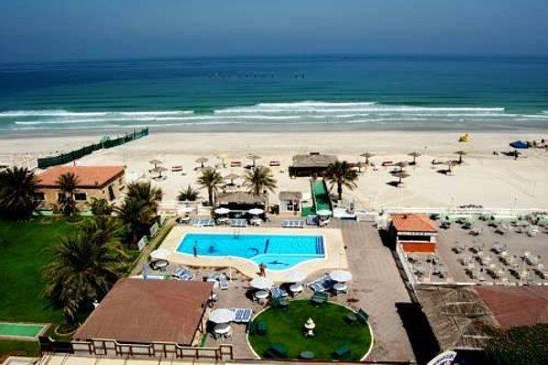 Ajman Beach Hotel - фото 22