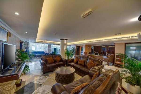 Ajman Beach Hotel - фото 3