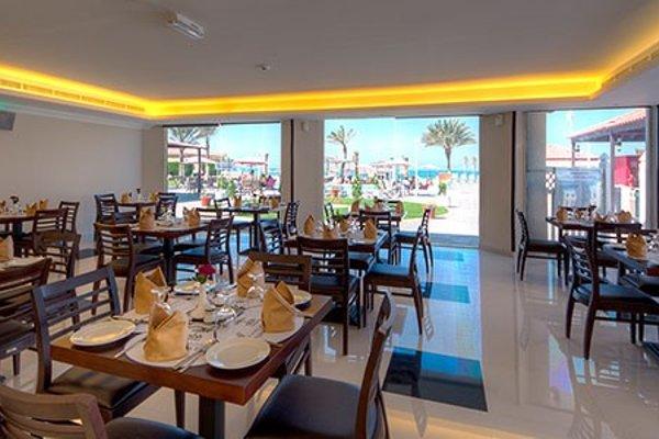 Ajman Beach Hotel - фото 8