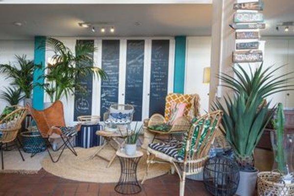 Aqua Hotel & Hostel - фото 14