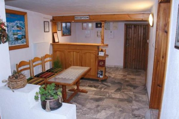 Hadjipopov Green Lodge - 10