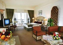 Ramada by Wyndham Beach Hotel Ajman фото 3