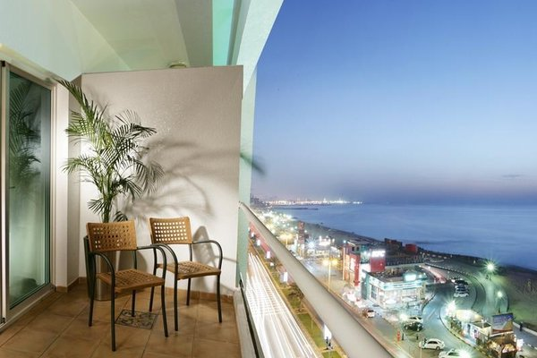 Ramada Beach Hotel Ajman - 20