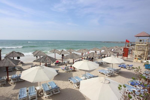 Ramada Beach Hotel Ajman - 22
