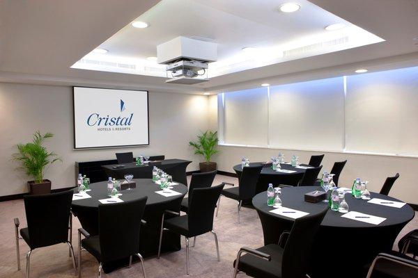 Cristal Hotel Abu Dhabi - фото 19