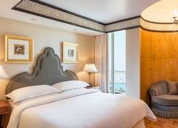 Sheraton Abu Dhabi Hotel & Resort фото 2
