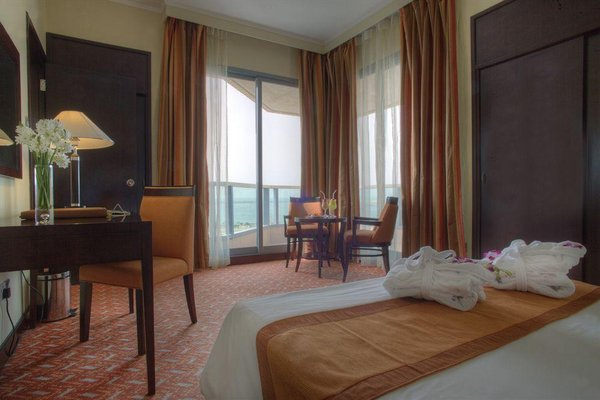 Hawthorn Suites by Wyndham Abu Dhabi City Center (ех. Regent Downtown) - фото 9