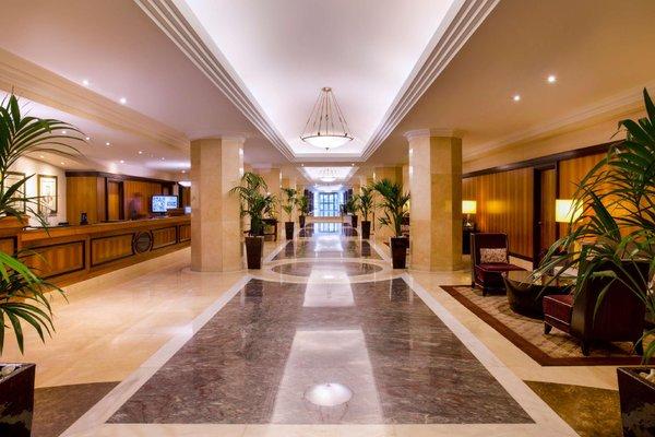 Hilton Abu Dhabi - 14