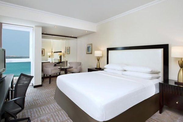 Hilton Abu Dhabi - 3