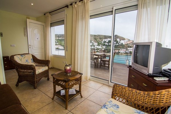 Agi Rodas Apartments - фото 6