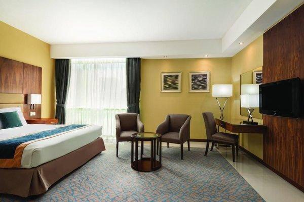Howard Johnson Hotel - фото 6