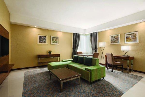 Howard Johnson Hotel - фото 7