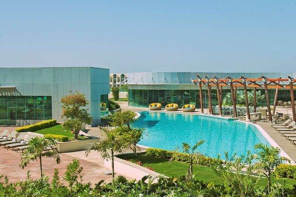 Hilton Capital Grand Abu Dhabi - фото 36