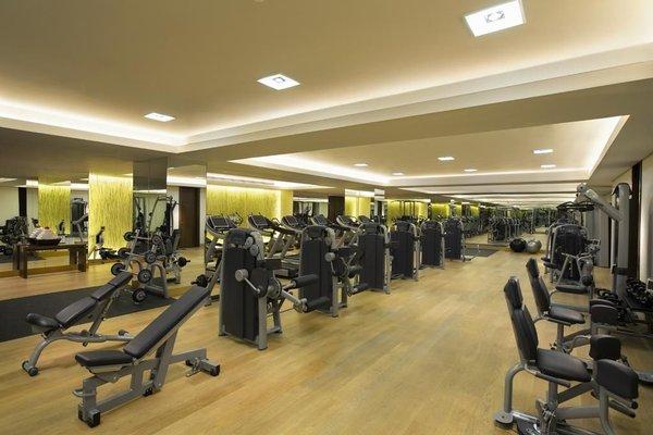 Hilton Capital Grand Abu Dhabi - фото 20