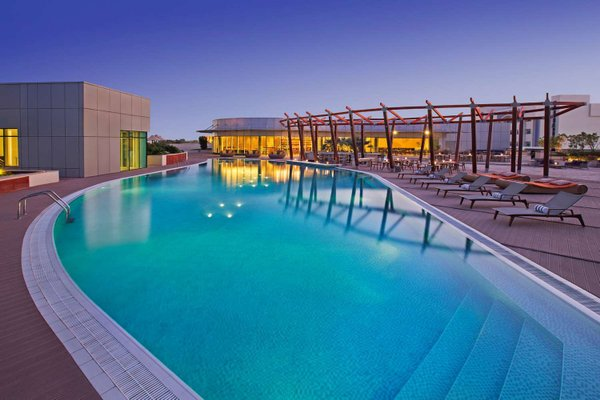 Hilton Capital Grand Abu Dhabi - фото 22