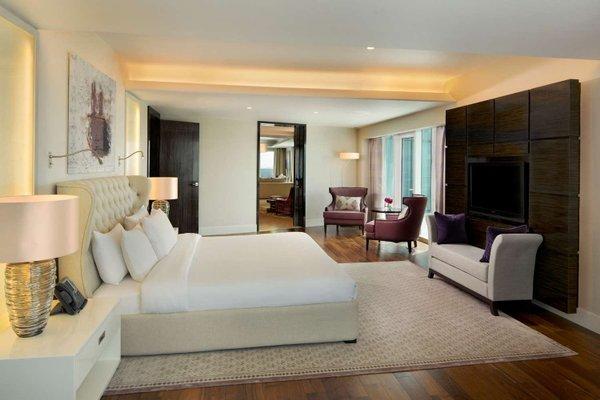 Hilton Capital Grand Abu Dhabi - фото 3