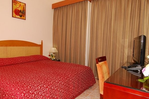 Ramee Guestline Hotel Apartments 1 - фото 5