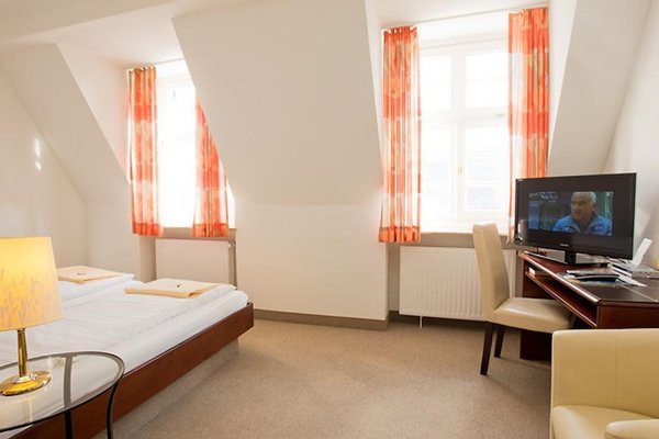 Kurhaus Hotel - фото 4