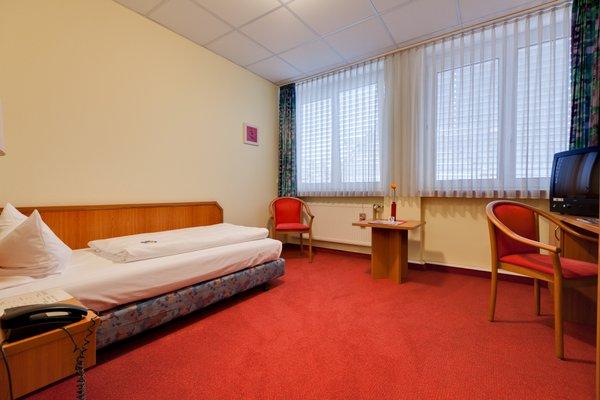 Hotel Berliner Ring - 5