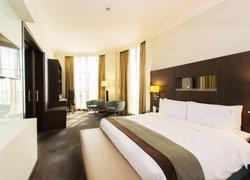 Holiday Inn Abu Dhabi фото 3