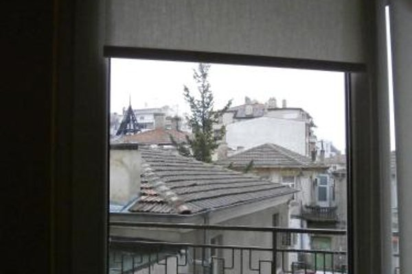 Kiril i Metodii Square Apartment - фото 19