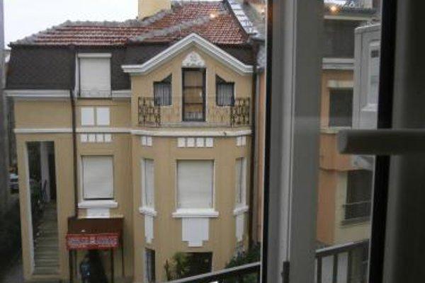 Kiril i Metodii Square Apartment - фото 23