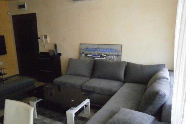 Kiril i Metodii Square Apartment - фото 6