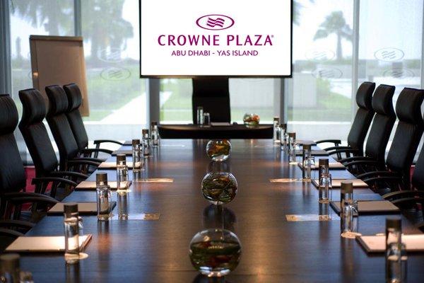 Crowne Plaza Yas Island - фото 9