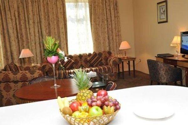 Cassells Hotel Apartments - 14